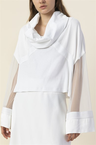 MiiN White Asymmetric Wide Form And Strings Collar Blouse