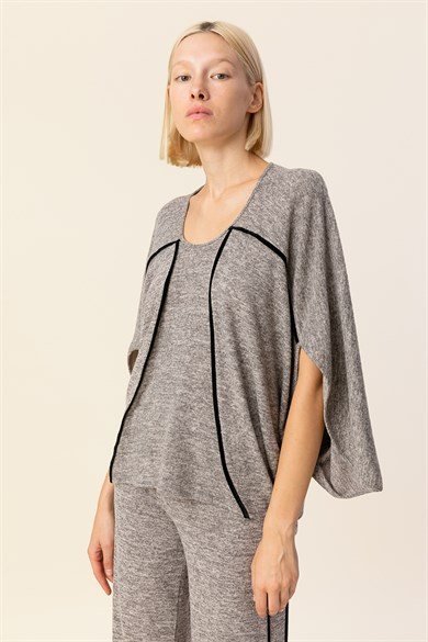 MiiN Gray Black Crew Neck Binding Detail Wide Form Knitted Blouse