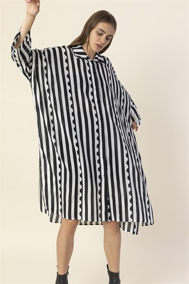 MiiN Black White Black White Striped Wide Form Shirt Dress