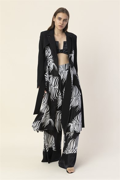 MiiN Black and White Palm Pattern Detailed Belted Long Jacket