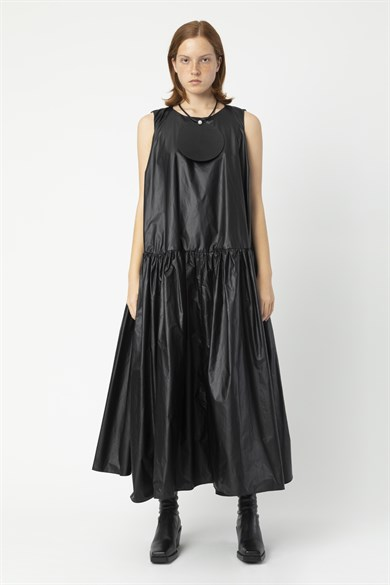 MiiN Black Wide Form Taffeta Gathered Maxi Dress