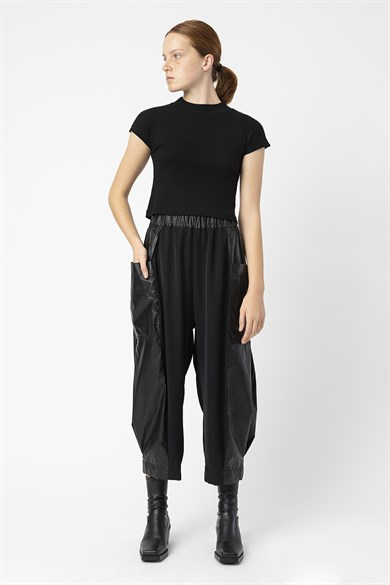 MiiN Black Regular Waist Low Rise Pocket Trousers
